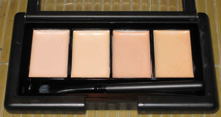 E. L. F. Complete Coverage Concealer - LIGHT (Swatched)