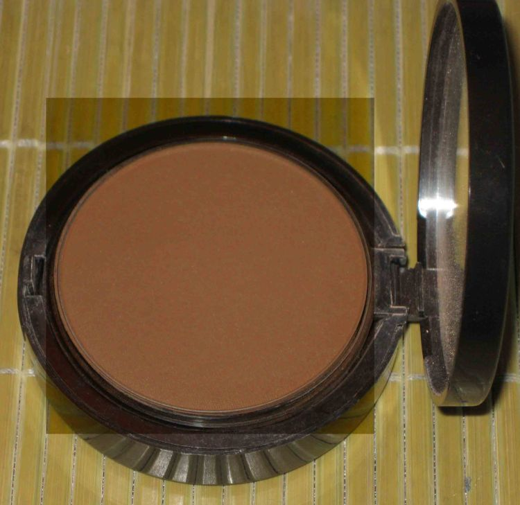 Avon Mark Bronze Pro Bronzing Powder (Used)