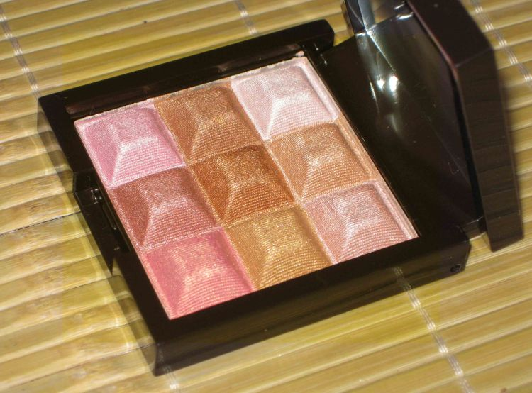 Avon Mark Touch & Glow Shimmer Cream Cubes