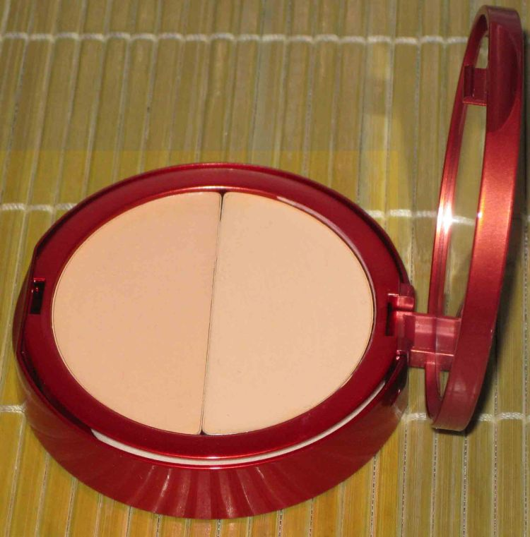 One (1) Redpoint Age Minimizer Dual Foundation - LIGHT (Swatched)