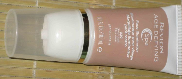 One (1) Revlong Age Defying Face Illuminator - 030 GOLD LIGHT (New)